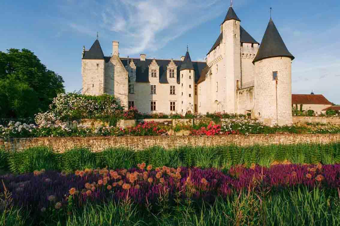Fiori Gialli Loira.Valle Della Loira Dal 1 Aprile Riapre Il Castello Di Rivau