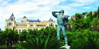Spagna Malaga La statua dedicata al Biznaguero