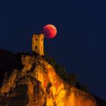 Ossevare Ruderi con il Binocolo - Torre di Caprona