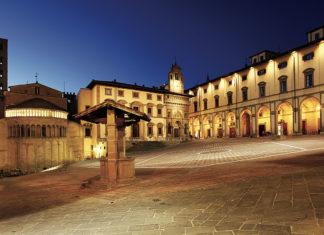 Arezzo Piazza Grande. foto ©Enrico Caracciolo/Viatoribus