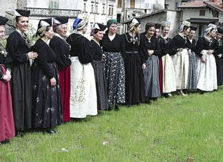 Scanno Abiti Tradizionali per la Festa delle Catenacce